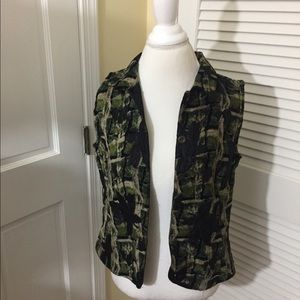 Reversible Vest Green Pattern And Black